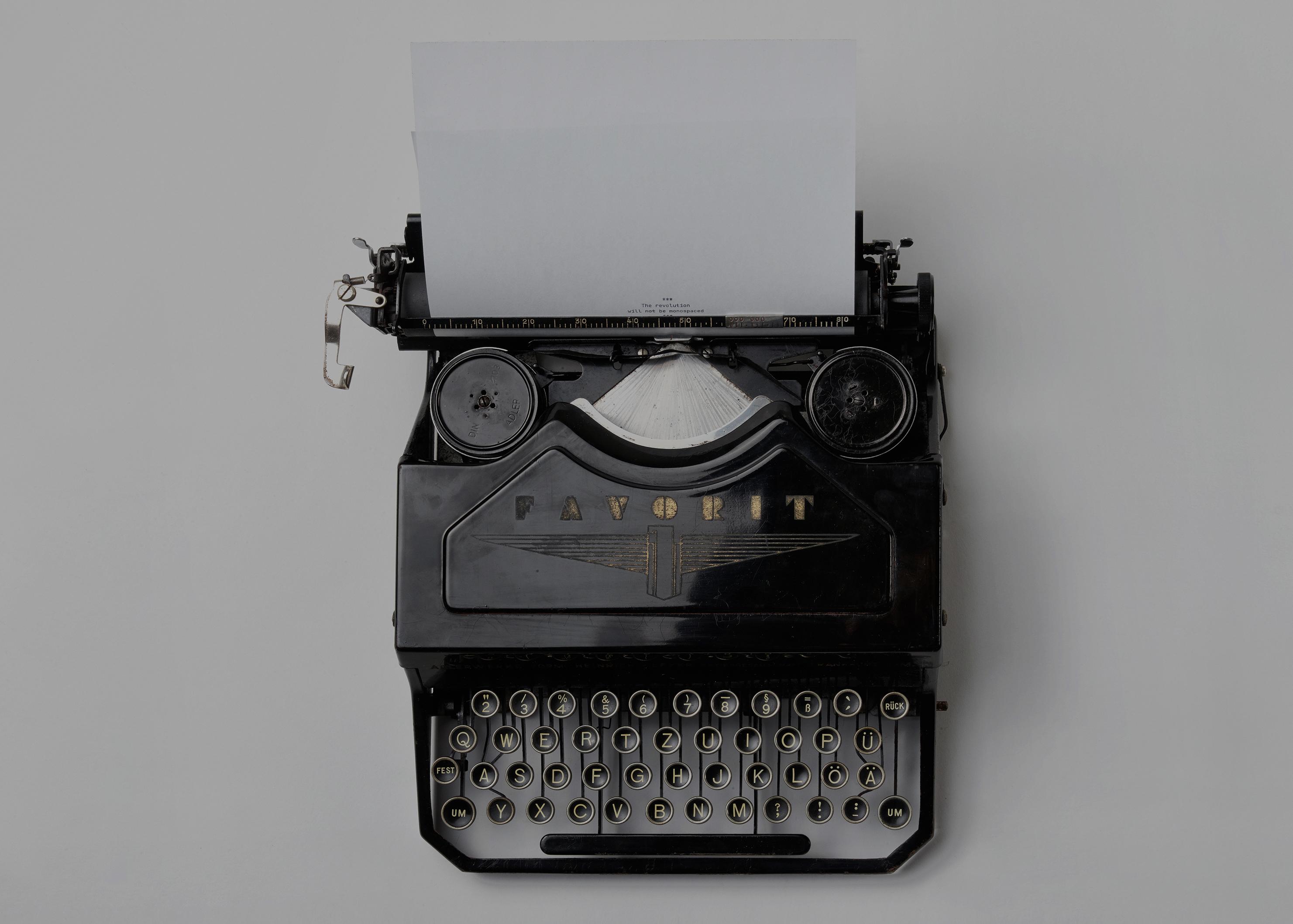 Make Your Own</br>Blog Website